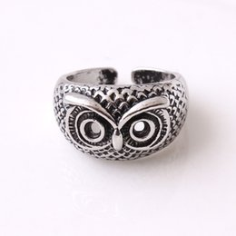 $enCountryForm.capitalKeyWord NZ - Fashion Charm Simple Womens Rings Owl Eyes For Women Stainless Steel Ring Luxury Jewelry Gift