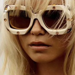 Peachtan Vintage gafas de sol gafas de diseñador Gafas de sol de lujo para mujer 2019 Moda nueva playa verano gafas de sol de gran tamaño