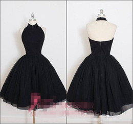 $enCountryForm.capitalKeyWord Australia - Sexy Halter Homecoming Dresses A Line Backless Little Black Dress Short Sleeveless Cheap Custom Made Cocktail Party Ball Gown vestido