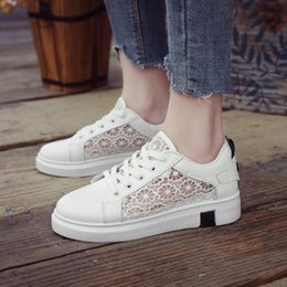 $enCountryForm.capitalKeyWord Australia - 2019 New Canvas Shoes Casual Breathable Comfortable Women's Flat Shoes Summer Single Hollow Print Design Fashion Beautiful Wholesale as118