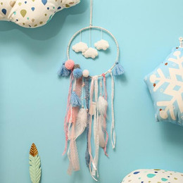 hanging white decorations 2019 - Feather Handmade Dream Catcher Indian Style Crafts Woven Wall Hanging Decoration White Dreamcatcher Wedding Hanging Deco
