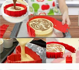 kitchen puzzle Australia - A DIY Silicone Cake Making Mould Magic Paking Model 4PCS SET Transform shape Bakeware Modle Cake puzzle roast Cookies Kitchen gadget Fr