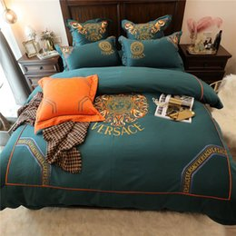 Discount luxury modern bedding sets - Classical Homebedding Luxury Gold Thread Embroidery Bedding Sets 4pcs Letter Patterns Cotton Beddingsuit High Quality Pi