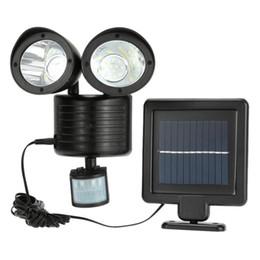 Ingrosso Luce esterna solare 22 LED Sensore di movimento a parete Lampada a doppia testa Regolabile a induzione Percorso di rilevamento Luce di sicurezza di emergenza