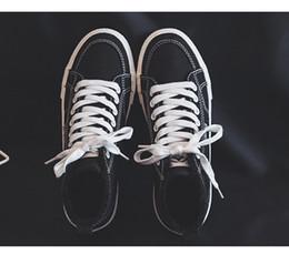 2019 novas mulheres quentes sapatos baixos de alta qualidade de couro sola macia sapatos juventude temperamento desgaste durável não-moagem pés tamanho clássico 35-41 venda por atacado
