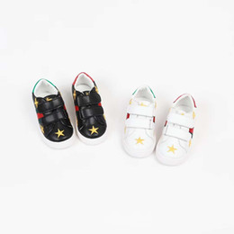 $enCountryForm.capitalKeyWord Australia - Kid cheap name brand shoe for big boy dress leather vamp+rubber sole high quality kids athletic shoes dress for girl white color star design