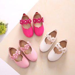 Flower Shoes Kids NZ - Kids Baby Toddler Flower Children Girls White Party And Wedding Dress Princess Leather Shoes For Girls School Dance Shoes New Y19051403