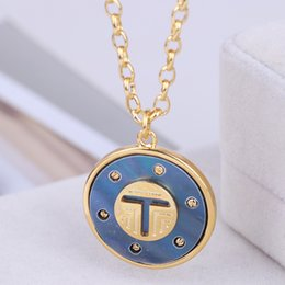 $enCountryForm.capitalKeyWord Australia - Brand name Fashion Gold Chain with nature shell 3cm White or blue round shpae and T style Pendants Long Necklace in 88cm length For Women G