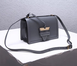 UniqUe belts women online shopping - Top Quality Female Crossbody Box grain real calfskin Luxury hardware Unique triangular lock with box adjustable belts Star Street Shooting