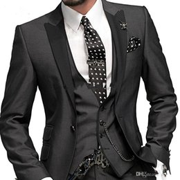 charcoal grey suit groom tuxedo Australia - New High Quality Charcoal Grey Groom Tuxedos One Button Peak Lapel Groomsmen Men Wedding Suits Bridegroom (Jacket+Pants+Tie+Vest) 26