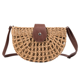 Bohemian Bags Australia - 2019 New Women Saddle Vintage Rattan Handbag Female Hobos Bohemian Summer Beach Straw Bag Simple Weave Bag Handmade Casual Tote