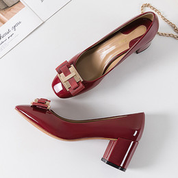 designer bridal shoes UK - Classic Bridal Wedding Shoes Woman Metal Decoration Pumps Bowknot High Heel Designer Brand Chunky Heels Shoes Ladies Dress Pumps