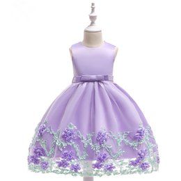 $enCountryForm.capitalKeyWord UK - 3D Flowers Attached On lace Long Skirt Princess Dress With Big Bow On The Back Formal Party Wedding Ball Gown