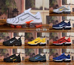 2020 nuovi Mens di scarpe per formatori esterni Sneakers maglieria Moda sport atletico Scarpa palmo completa cuscino d'aria 36-45 Esecuzione in Offerta