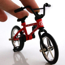 finger bike skateboard 2019 - 50pcs Alloy Finger Functional Kids Bicycle Finger Bike Toys Mini Finger Bike Toy Hand Funny Toys AIJILE cheap finger bik
