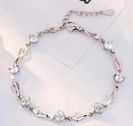 Chinese  Diamond-shaped love Japan and South Korea fashion diamond car flower diamond bracelet women's jewelry A213 manufacturers