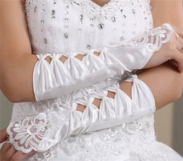 $enCountryForm.capitalKeyWord Australia - Woman Wedding Gloves Fingerless For Bride Elbow Length Long White Ivory Red Lace Appliqued Beaded Bridal Party Accessories