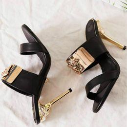 Sandálias de estilo clássico high-end personalizado saltos altos da estação Europeia de alta qualidade sapatos casuais 35-41 promoção fabricantes (com caixa) venda por atacado