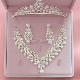 $enCountryForm.capitalKeyWord Australia - Elegant Wedding Jewelry Sets Rhinestone Imitation Pearls Crown Necklace Earring Three Stes Jewelry Accessories Free Shipping