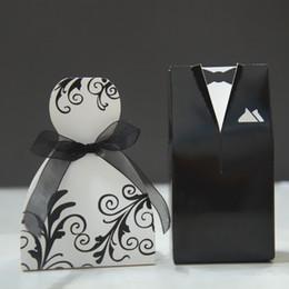 $enCountryForm.capitalKeyWord Australia - Small size cheap creative wedding faver box special design groom dress and bridal gown wedding candy box