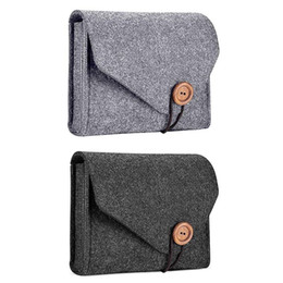 fundas de ratón al por mayor-Designer New Felt Pouch Power Bank para el cable de datos Mouse Power Bank Organizador de viaje Estuches cosméticos