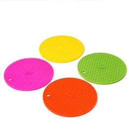 Kitchen Heat Resistant Mats Australia - New Round Silicone Placemat Non-Slip Heat Resistant Mat Coaster Cushion Pot Holder Cup Mat Kitchen accessories Hot Colorful