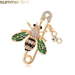 suits brooch designs 2019 - New Design Cute Bee Brooches Pins Rhinestone Animal Shapes Crystal Green Enamel Brooch Pins For Women Men's Suit Co