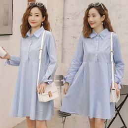 dc8f72807 8166   2019 Primavera Moda maternidad Blusas Rayas de algodón Una línea  Camisas sueltas Ropa para mujeres embarazadas Embarazo dulce Tops