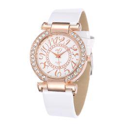 $enCountryForm.capitalKeyWord UK - Fashion Retro Rhinestone Rose Gold Women Watch Diamond Dial Clock Stylish Quartz Wristwatch Leather Band Elegant Ladies Watches