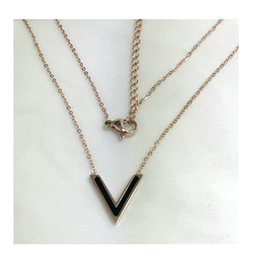 Necklaces Pendants Australia - 2019 European And American Hot Selling New Titanium Steel Necklace Female Fashion Korean Alphabet Gold Rose Golden Lock Bone Chain
