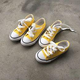 Boys Canvas Slip Shoes Australia - 2018 New Arrivals Children Shoes Girls Canvas Shoes Boys Casual Shoes Spring Autumn Kids Sneakers White Bottom Non-slip B01141 Y19051303