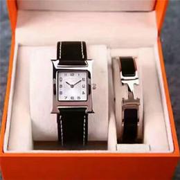 Nouveau 2 Ensembles Robe Femmes Watchbracelet Top Marque de luxe Montres Pour dame Femelle Fille Cadeau Or Herm Argent Montre-Bracelet Horloge Relogio Feminino en Solde