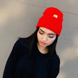 Wholesale embroidered crowns online – design CrowN Logo Beanie FW Embroidered Cold Hat Knitted Cap Men And Women High Quality Four Colors Hat HFBYMZ013