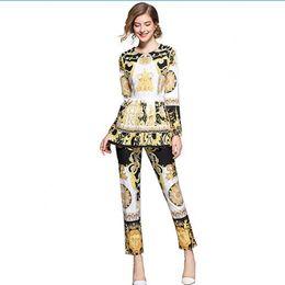 6ed983b379 Mujeres Conjunto retro Vestido de traje tradicional de manga larga Europeo  Noble Floral con estampado floral + Falda plisada Pantalón Trajes casuales  ...