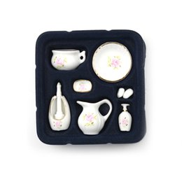 Wholesale 8pcs Miniature Set Floral Ceramic Pastel Rose Dollhouse Bath Decoration Dolls Gift Kits Dollhouse Bathroom Accessories SH190709