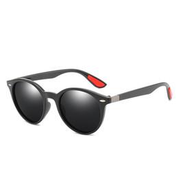 6200d29b1a Diseñador de la marca para mujer Gafas de sol polarizadas Gafas de sol  polarizadas para hombres y mujeres con montura redonda Nuevas gafas de sol  redondas ...