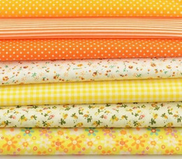 $enCountryForm.capitalKeyWord UK - 7pcs lot Multiple Color Cotton Floral and Dots Design for Home Quilting Meter Desk Decoration Tecido To Patchw
