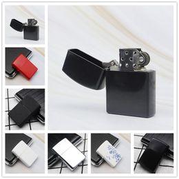 Recenti Fuoco retro metallo plastica nera Frosted accendisigari fumatori combustibile accendini Strumenti sigaretta 7 colori possono scegliere in Offerta