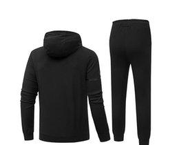 Venta al por mayor de De lujo del diseñador del Mens traje chándales otoño Marca chándal Para pista de los hombres de moda de invierno largo y camisetas Pantalones Trajes Ropa 3 colores M-5XL