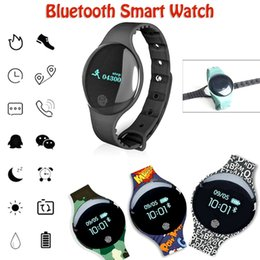 Discount pedometer sleep tracker compatible windows phone - H8 Smart Watch 2019 New Stylish Tracker Wrist Electronic Smartwatch Sport Bracelet Pedometer Camera Tracker For Android