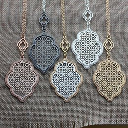 two tone chain necklace Australia - Christmas Gift Fashion Boutique Filigree Clover Pendant Necklace for Women Long Chain Hollow Openwork Two Tone Geometric Necklaces Pendants