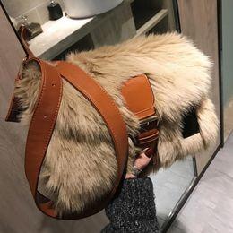 Girls plush handbaGs online shopping - 2019 Winter Fashion New Sweet Girl Square bag High quality Soft Plush Women s Designer Handbag Casual Shoulder Messenger bag