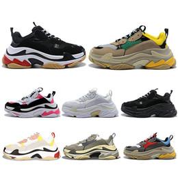 $enCountryForm.capitalKeyWord NZ - Hot Sale designer Paris 17FW Triple s Sneakers for men women black red white green Casual Dad Shoes tennis increasing sneakers 36-45
