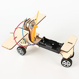 Glasses Production Australia - New scientific experimental technology electric taxiing aircraft children's toys small production invention handmade DIY material package