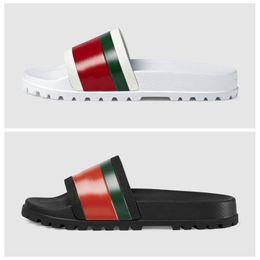 2019 Новый Роскошный Дизайнер Мужчины Лето Черный Белый Резиновые Тапочки Пляж Слайд Мода Потертости Сандалии Обувь Размер 40-45 на Распродаже