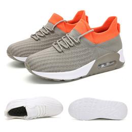 Nuevos deportes venta entera zapatillas de deporte para hombres mujeres de malla transpirable zapatos de la aptitud deportes blancos negros snaeakers tamaño 35-42 envío libre en venta