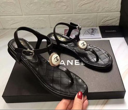 Wholesale Classic style Genuine leather Summer Lidies Falt heel sandals Pinch buckle Open Toe sandals Ladies Comfortable outdoor slippers