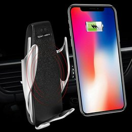 Wholesale S5 Infrared automatic Universal Car Phone Holder Air Vent Mount Stand For Phone wireless charger In Car with retail package