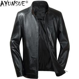 15527a03196 AYUNSUE Men s Sheepskin Coat Korean Genuine Leather Jacket Men Short Moto  Bomber Jacket Autumn Chaqueta Cuero Hombre KJ1628