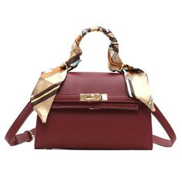 082506c72ab4 Женские винтажные женские сумки с металлическим замком и искусственной  кожаной сумкой через плечо Lady Mini RRA708